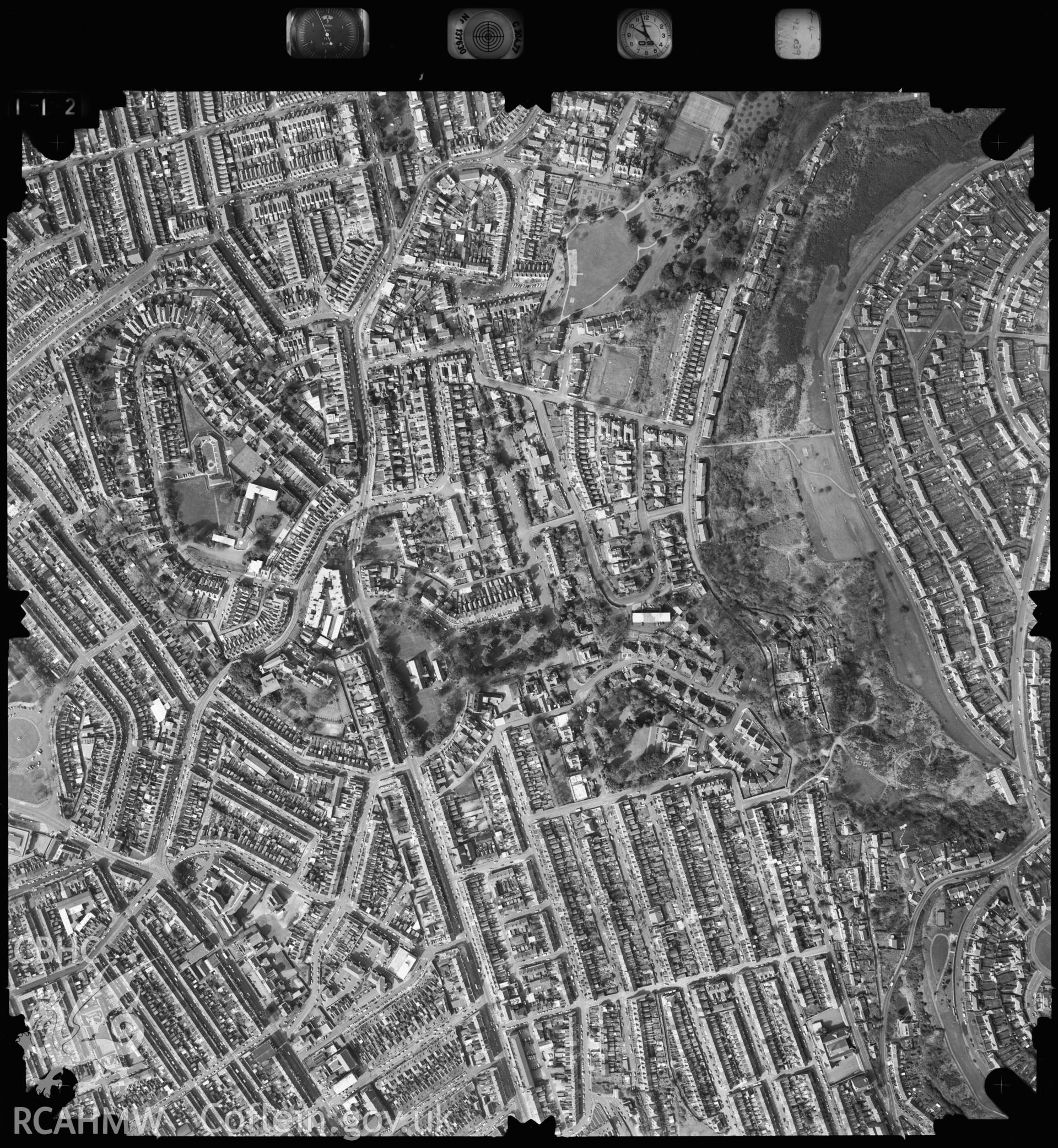 Digitized copy of an aerial photograph showing theSwansea area, taken by Ordnance Survey, 1993.