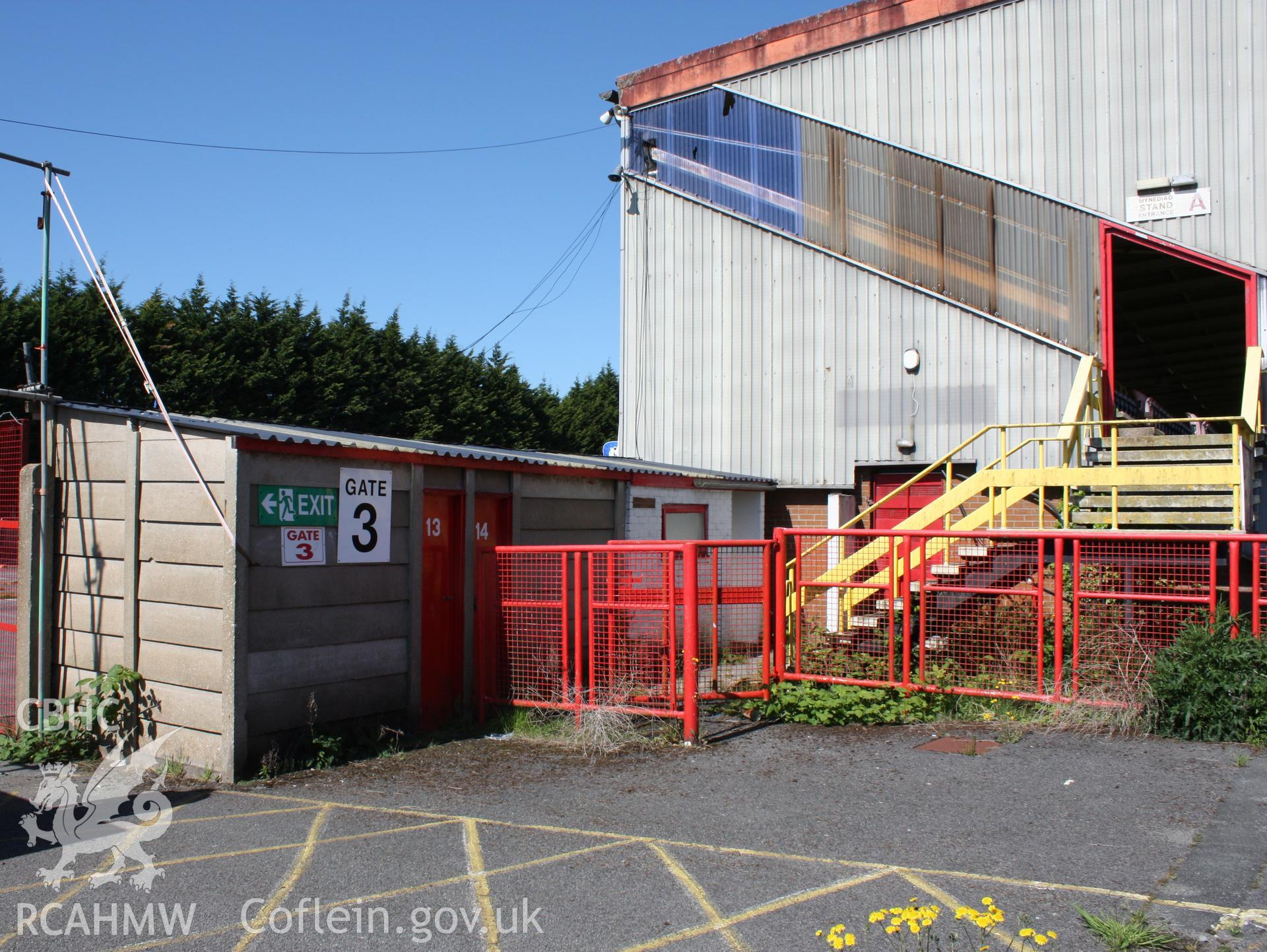 Turnstiles 13-14 and gate 3 on east side of Grand (South) stand