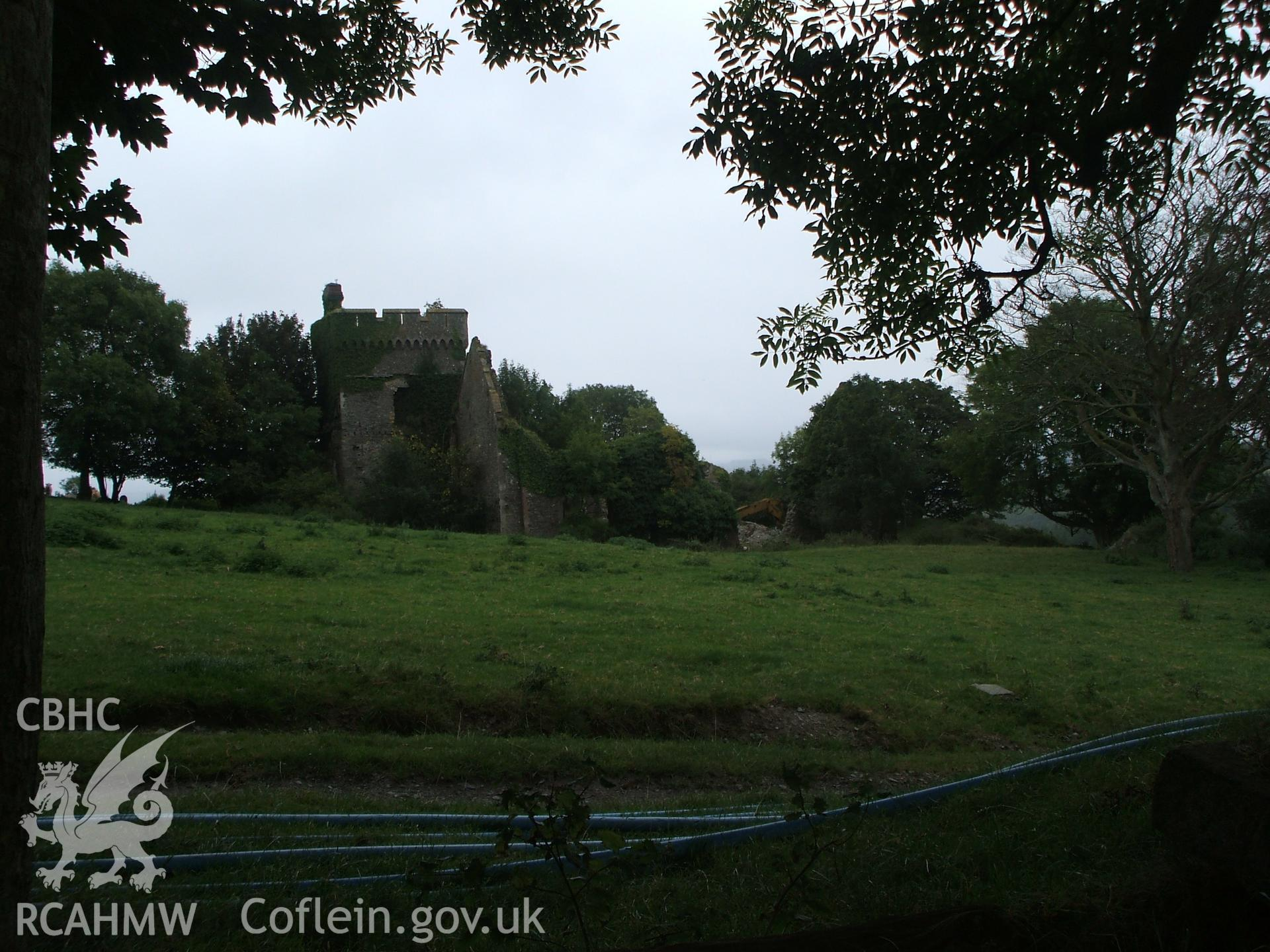 Digital photograph of Bronwydd Castle.