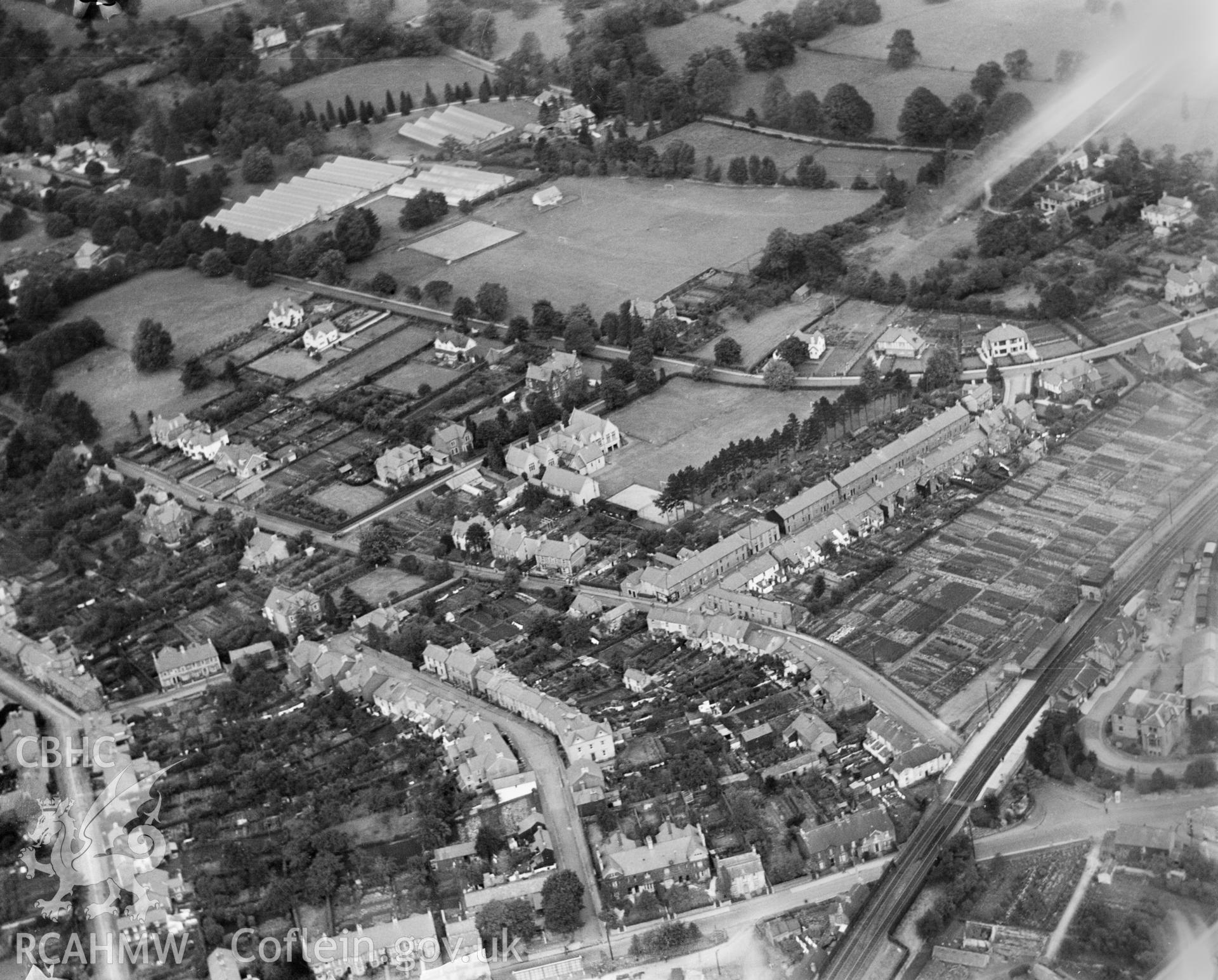 General view of Abergavenny, oblique aerial view. 5?x4? black and white glass plate negative.