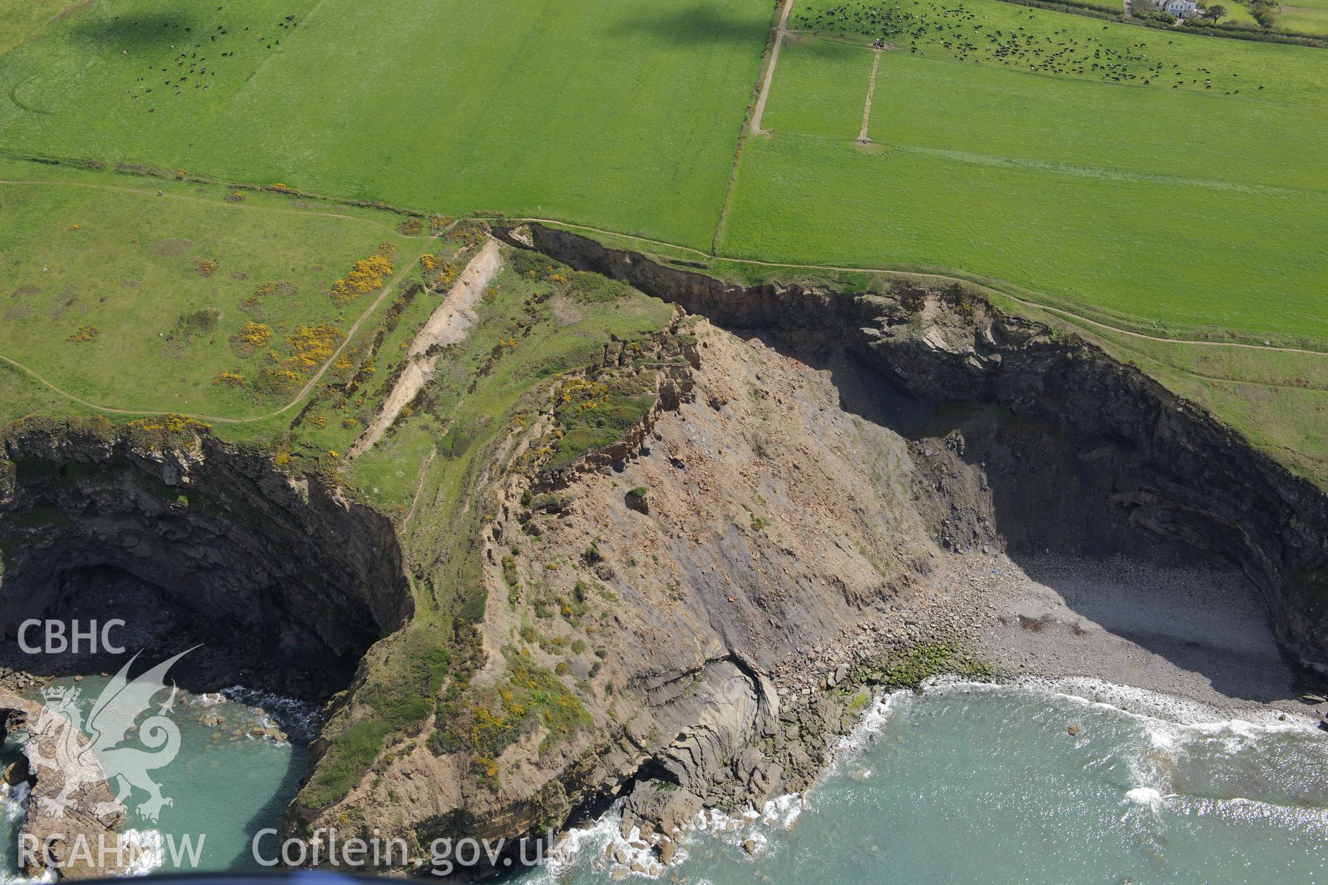 Black Point Rath promontory fort, near Haverford West. Oblique aerial photograph taken during the Royal Commission's programme of archaeological aerial reconnaissance by Toby Driver on 13th May 2015.