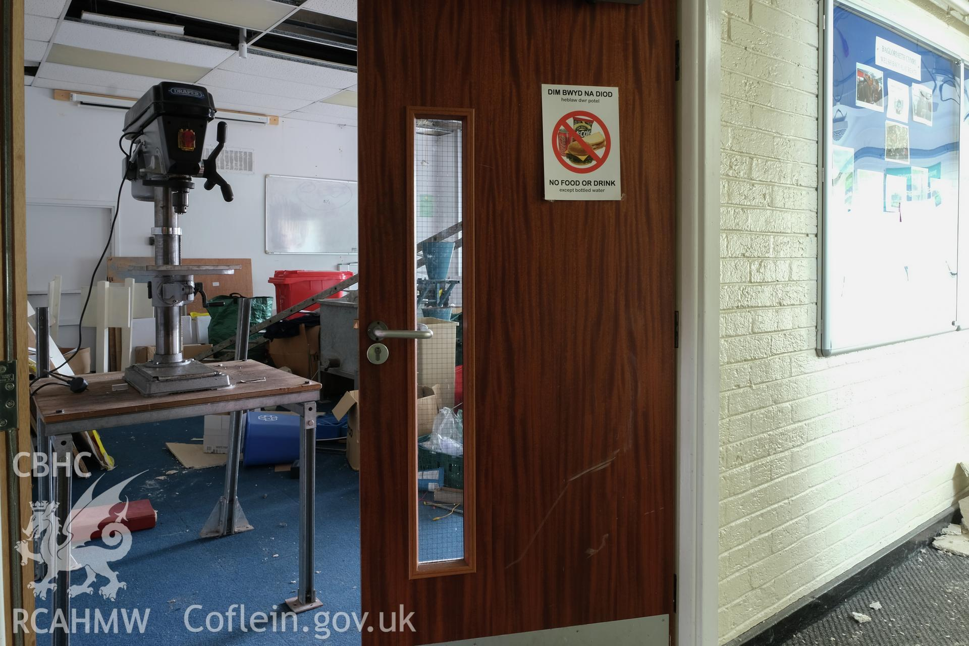 Digital colour photograph showing detailed interior view of classroom at Caernarfonshire Technical College, Ffriddoedd Road, Bangor. Photographed by Dilys Morgan and donated by Wyn Thomas of Grwp Llandrillo-Menai Further Education College, 2019.
