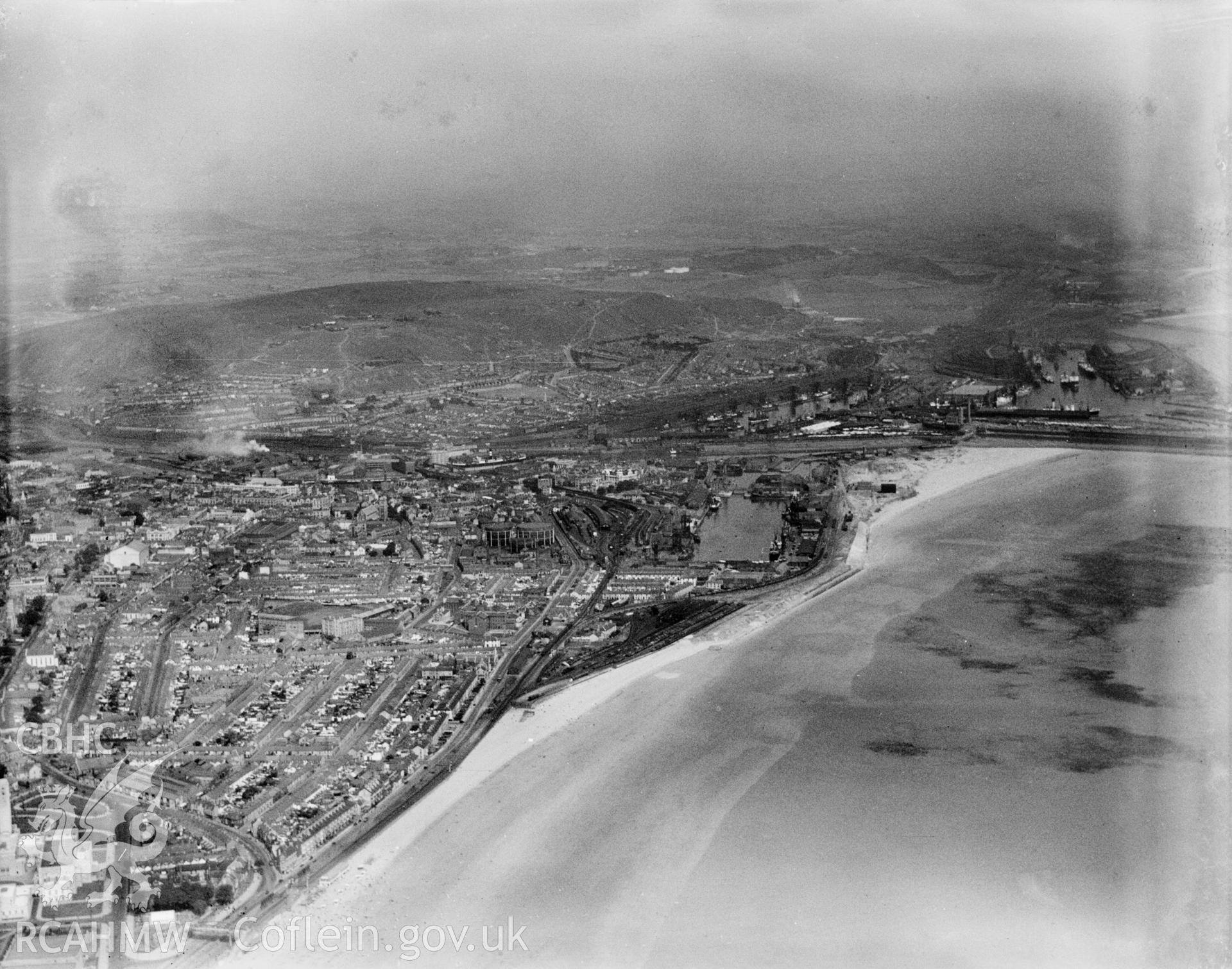 General view of Swansea, oblique aerial view. 5?x4? black and white glass plate negative.