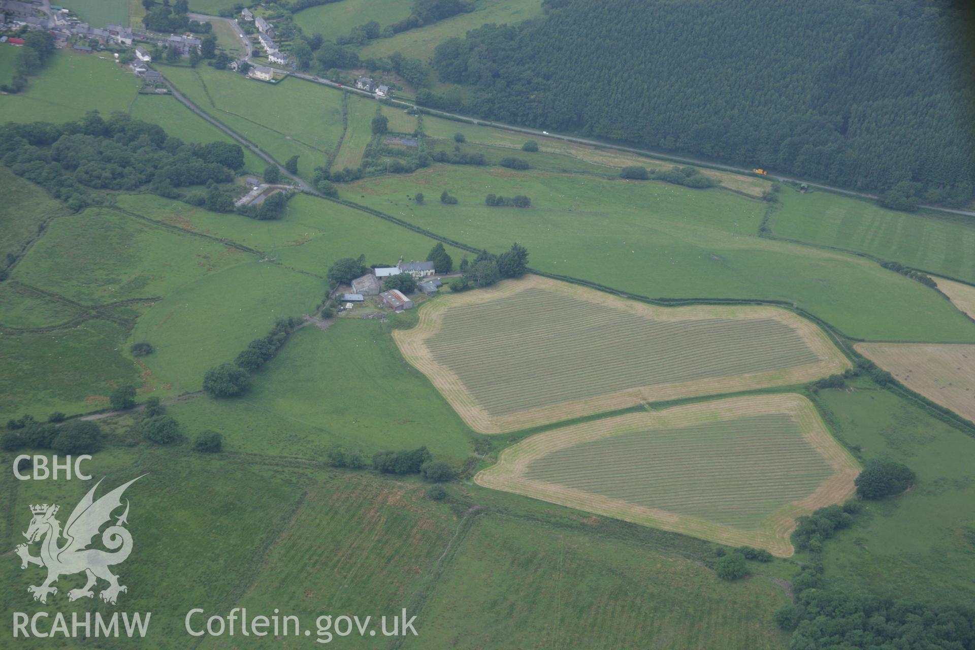 RCAHMW colour oblique aerial photograph of Cefn Caer Roman Fort, Pennal. Taken on 04 July 2006 by Toby Driver.