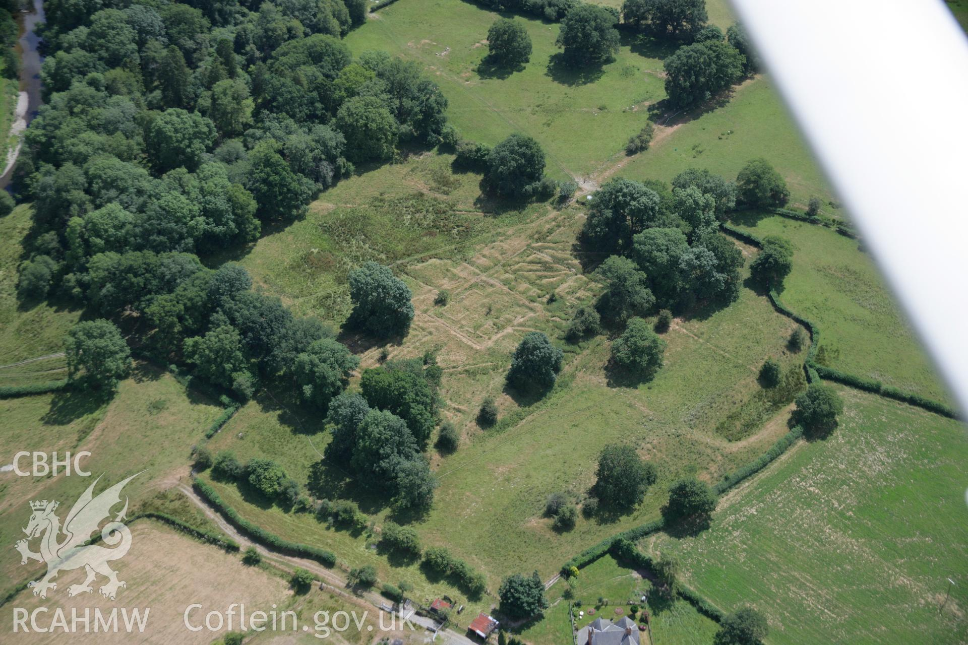 RCAHMW colour oblique aerial photograph of Castell Collen Roman Fort. Taken on 27 July 2006 by Toby Driver.