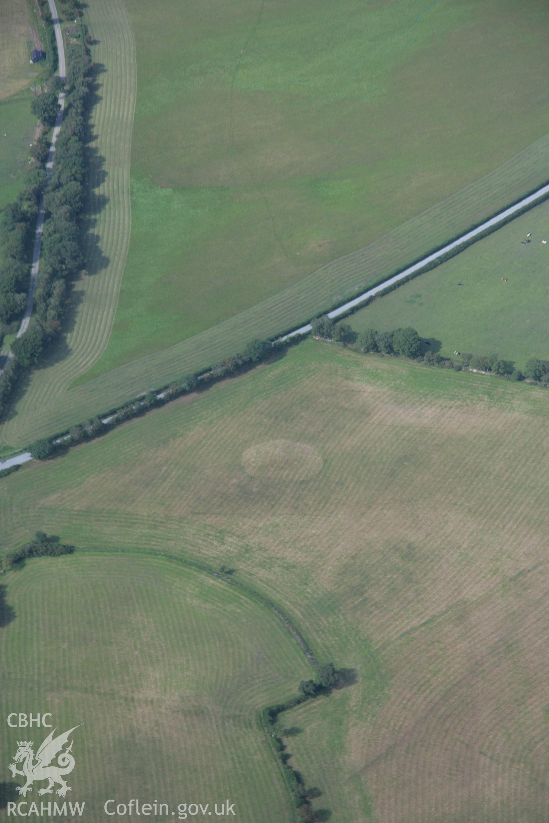 RCAHMW colour oblique aerial photograph of Rhos y Domen Round Barrows. Taken on 14 August 2006 by Toby Driver.