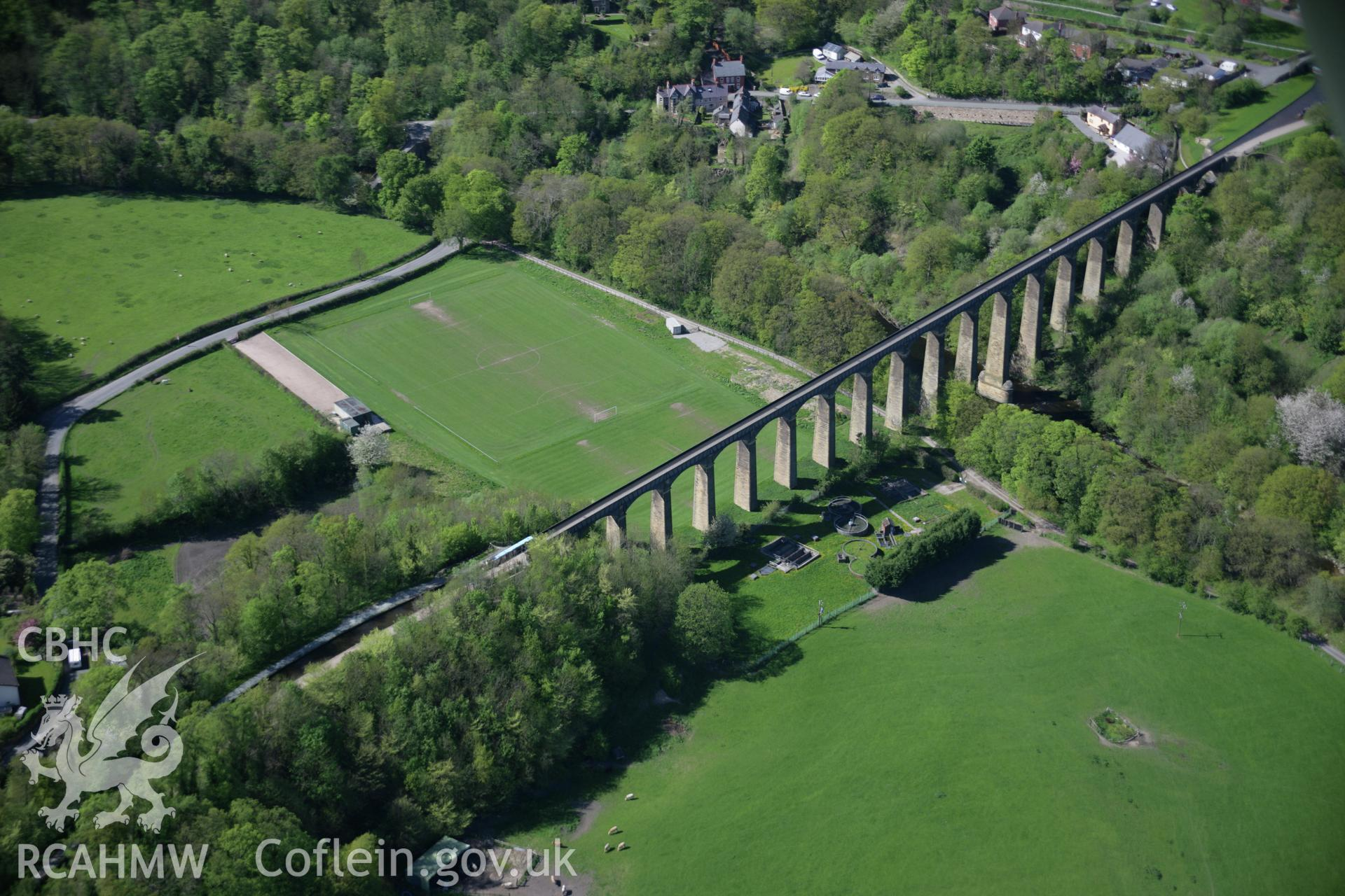 RCAHMW digital colour oblique photograph of Pontcysyllte Aqueduct viewed from the south-east. Taken on 05/05/2006 by T.G. Driver.