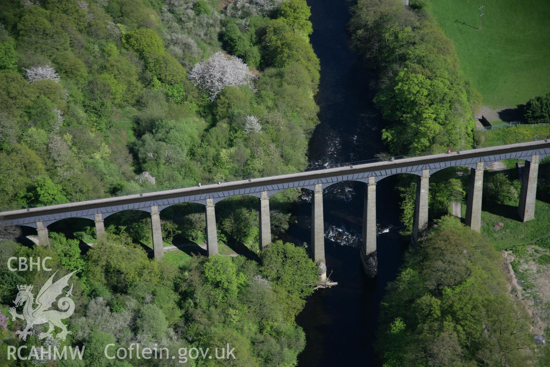 RCAHMW digital colour oblique photograph of Pontcysyllte Aqueduct from the west. Taken on 05/05/2006 by T.G. Driver.