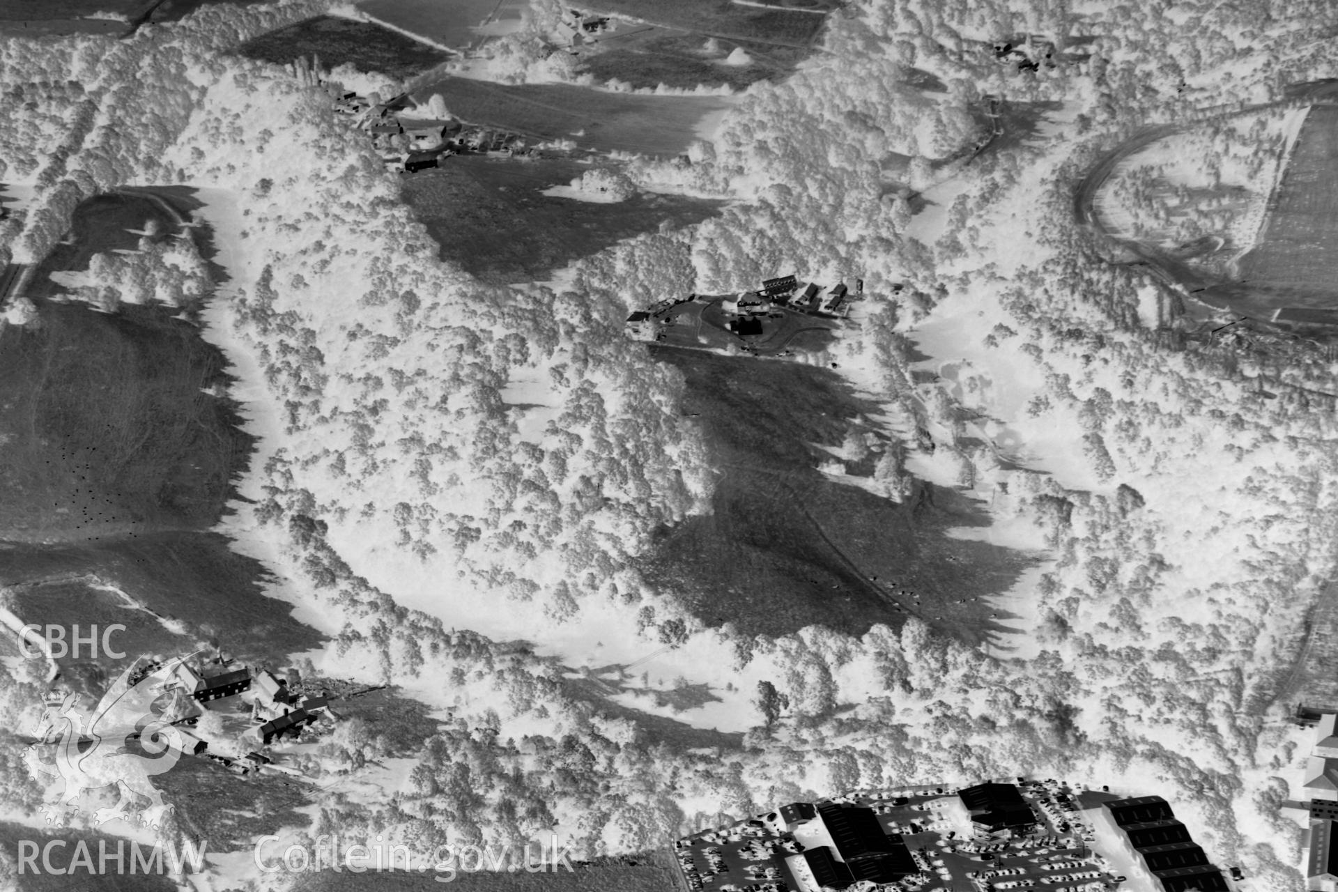 Digital black and white photograph showing Bryn Alyn Hillfort and the surrounding area.