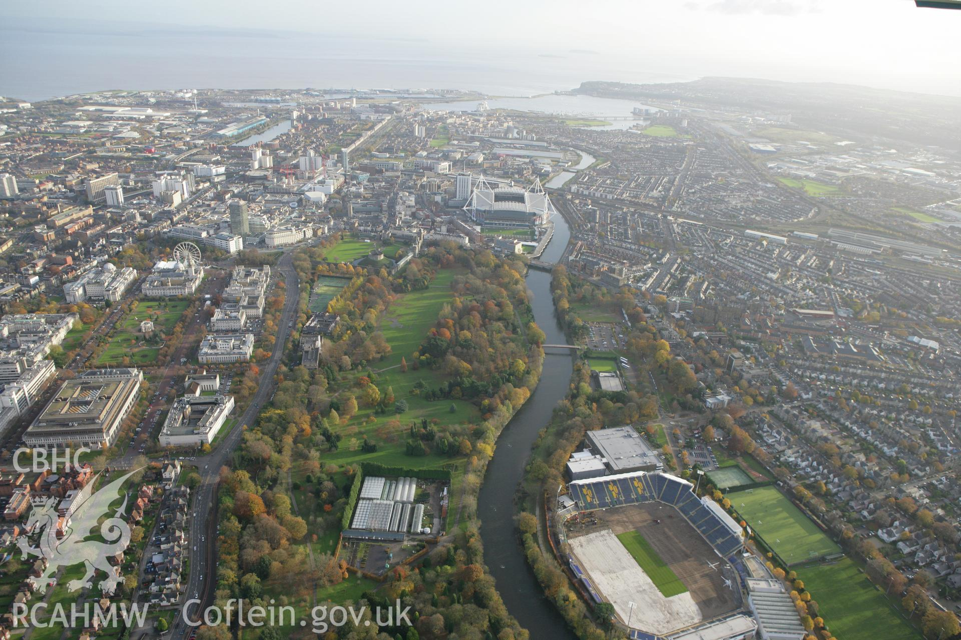 RCAHMW colour oblique photograph of Cardiff University and Bute Park, looking south towards Cardiff Bay. Taken by Toby Driver on 12/11/2008.
